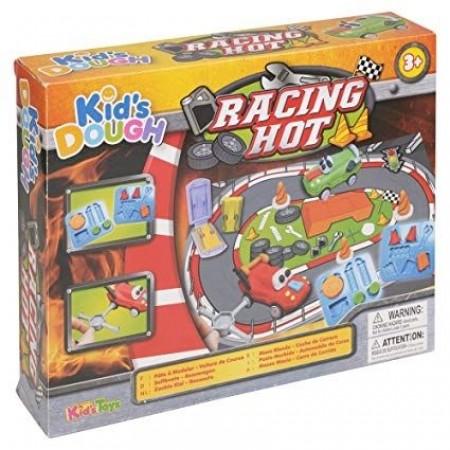 Детска работилница за моделиране на коли.