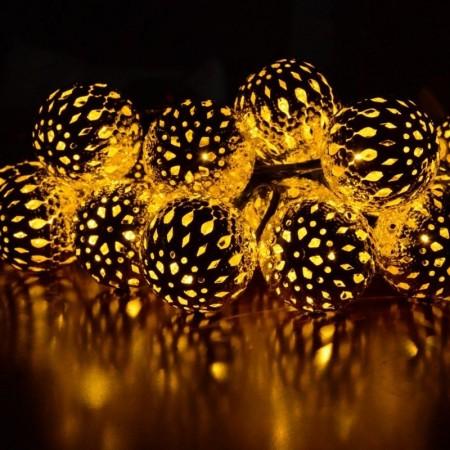 Коледни лампички LED светлини метални топчета, злато.