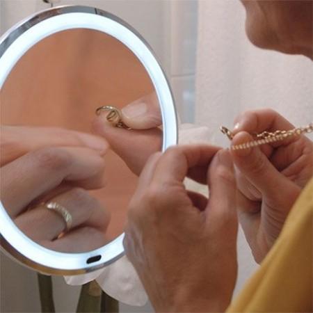 Ултра Флексибъл Мирър Огледало за грим с LED светлина и увеличение 10Х - захващане чрез вакуум